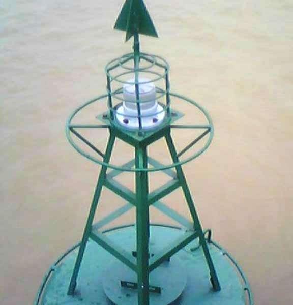 Đèn VIJA-218 trên Sông Hồng